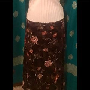 🎆5 FOR $25 SILKY BROWN FLOWERED MAXI SKIRT